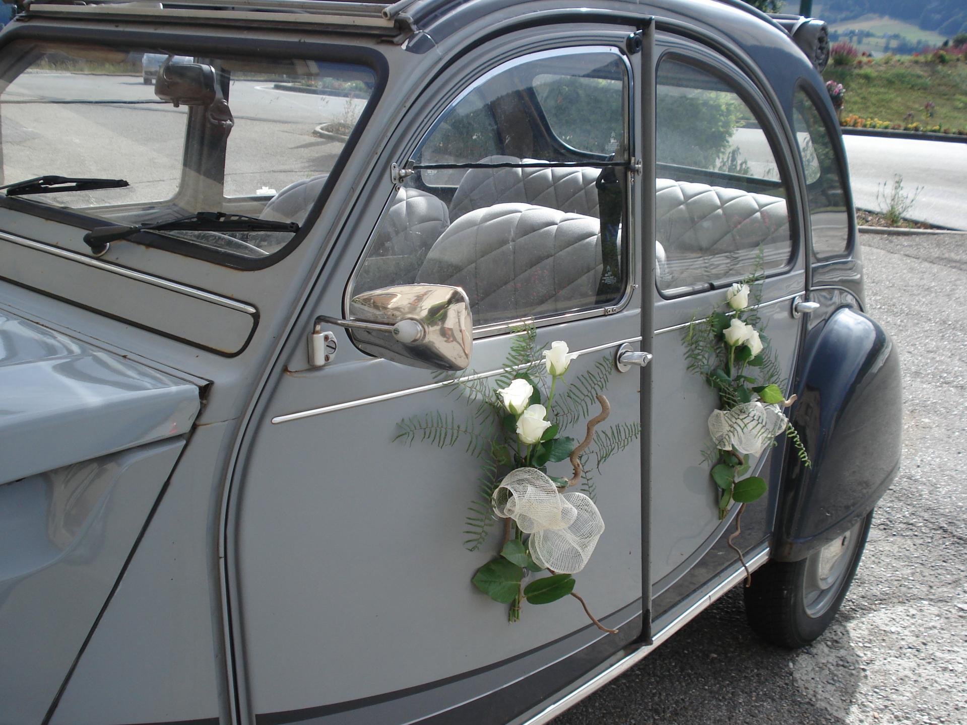 fleuriste decoration voiture mariage 28 images 17 best. Black Bedroom Furniture Sets. Home Design Ideas