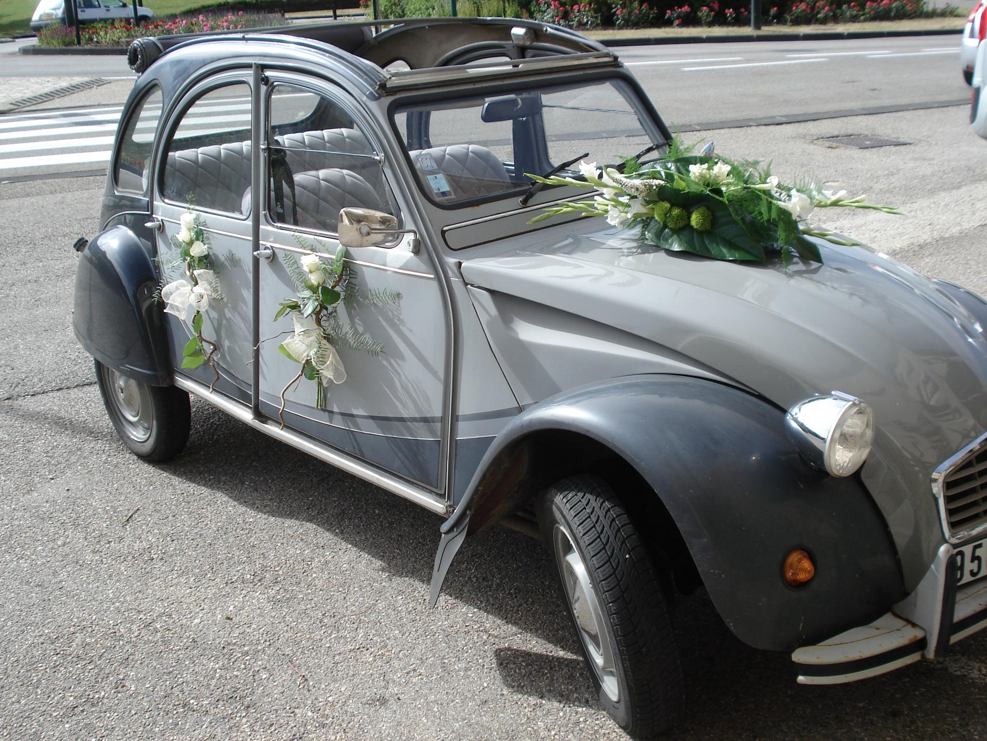 decoration voiture mariage 2cv. Black Bedroom Furniture Sets. Home Design Ideas